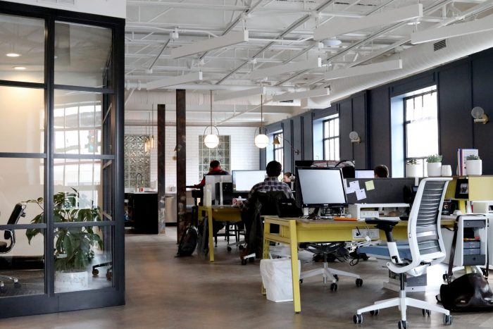 agence digitale ou travailleur indépendant